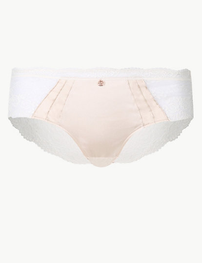 NEW M/&S WHITE BANDEAU HIGH LEG KNICKERS VERY PRETTY SIZES 20-22 ONLY