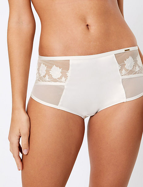 Applique Embroidered High Waisted Shorts