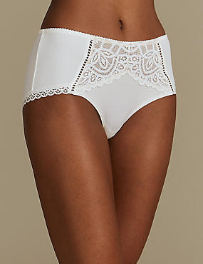 Lace Embroidered High Rise Shorts