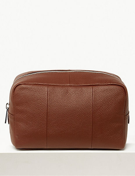 Windsor Leather Washbag