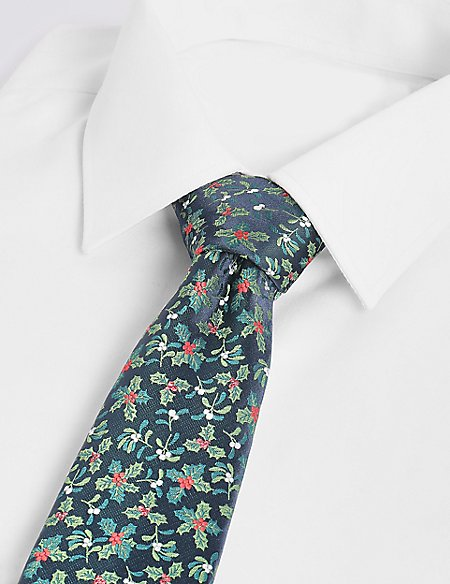 Holly and Mistletoe Christmas Tie