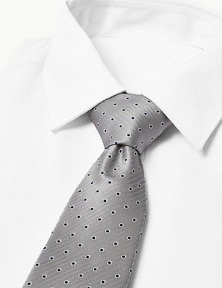 Outline Spot Tie