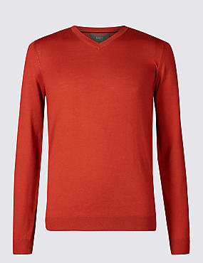 Pure Merino Wool V-Neck Jumper, RUST, catlanding