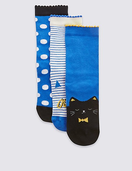 3 Pairs of Freshfeet™ Cotton Rich Assorted Socks (5-14 Years)