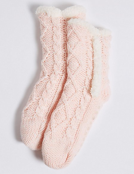 1 Pair of Knitted Socks
