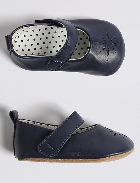 Baby Leather Cut Out Pram Shoes (0-18 Months)