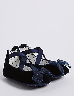 Baby Velvet Bow Pram Shoes