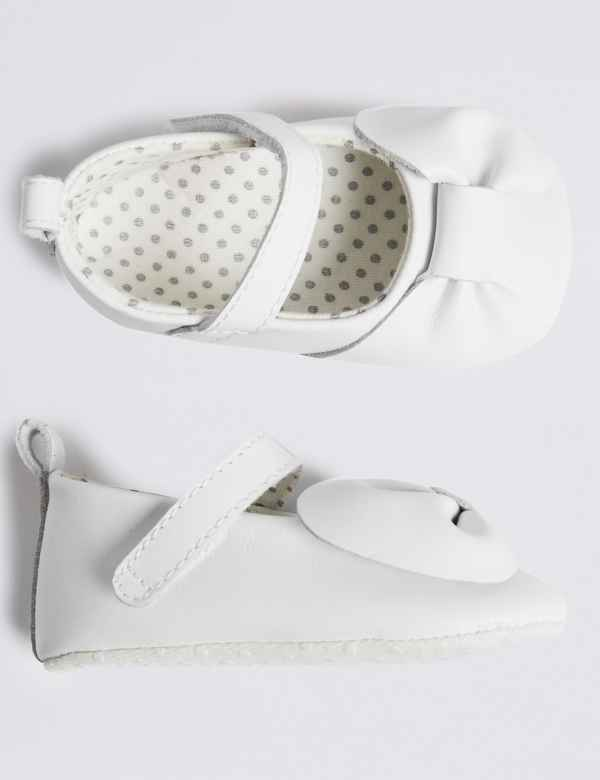 508436f1bf66 Baby Leather Bow Pram Shoes