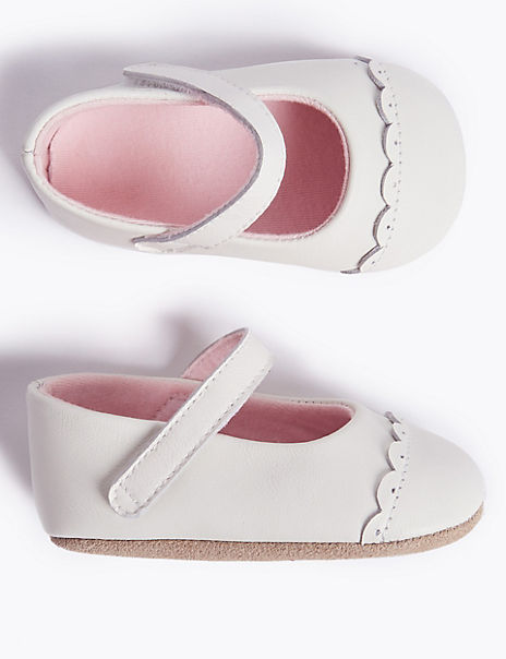 Baby Leather Bow Pram Shoes (0-18 Months)
