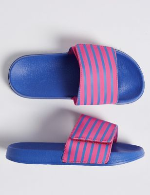 3bec12a147cc Kids  Slide Sandals (13 Small - 6 Large) £10.00 - £12.00