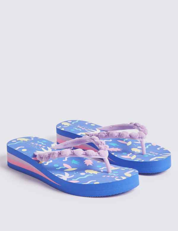 6b03f5cd3 Kids  Pom-pom Flip Flops (13 Small - 6 Large)