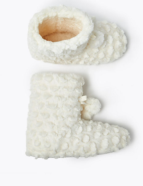 Kids' Faux Fur Slippers (5 Small - 6 Large)
