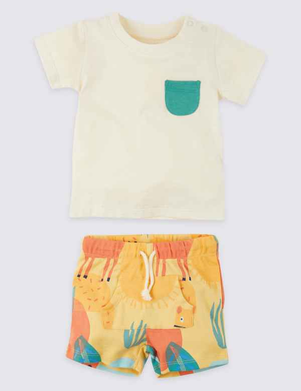 f356c9e9ca8 2 Piece T-Shirt   Shorts Outfit