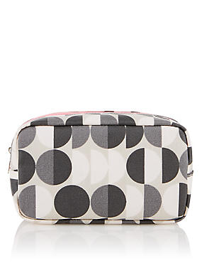 Geometric Design Make-Up Bag