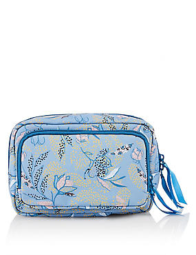 Classic Design Make-Up Bag