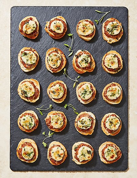 Italian Style Beef-Topped Crostini (20 Pieces)