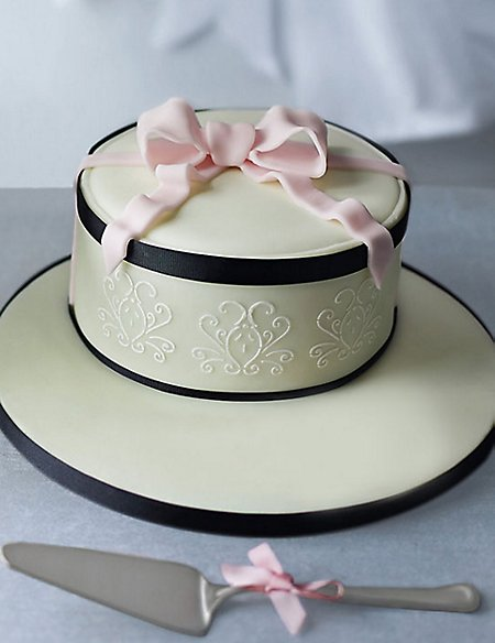 Hat Box Cake (Available to order until 4th February 2017)