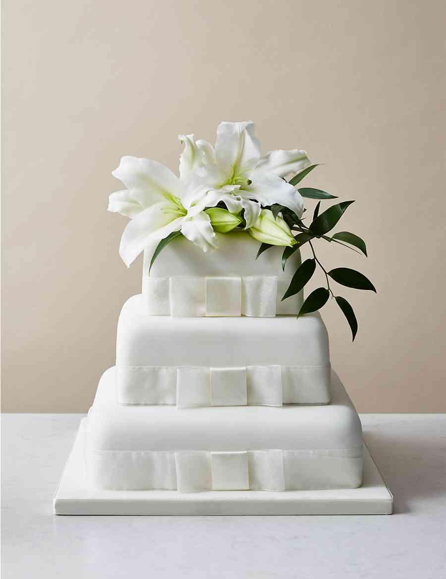 3 Tier Elegant Wedding Cake Serves 180 190 M S