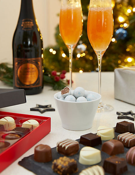 Classic Festive Hamper with Fizz (Available for delivery from 30th October 2019)