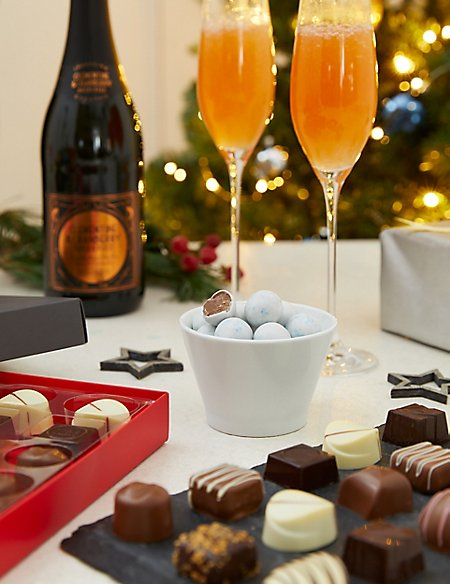 The M&S Classic Festive Hamper with Fizz (Available for delivery from 1st Nov 2018)