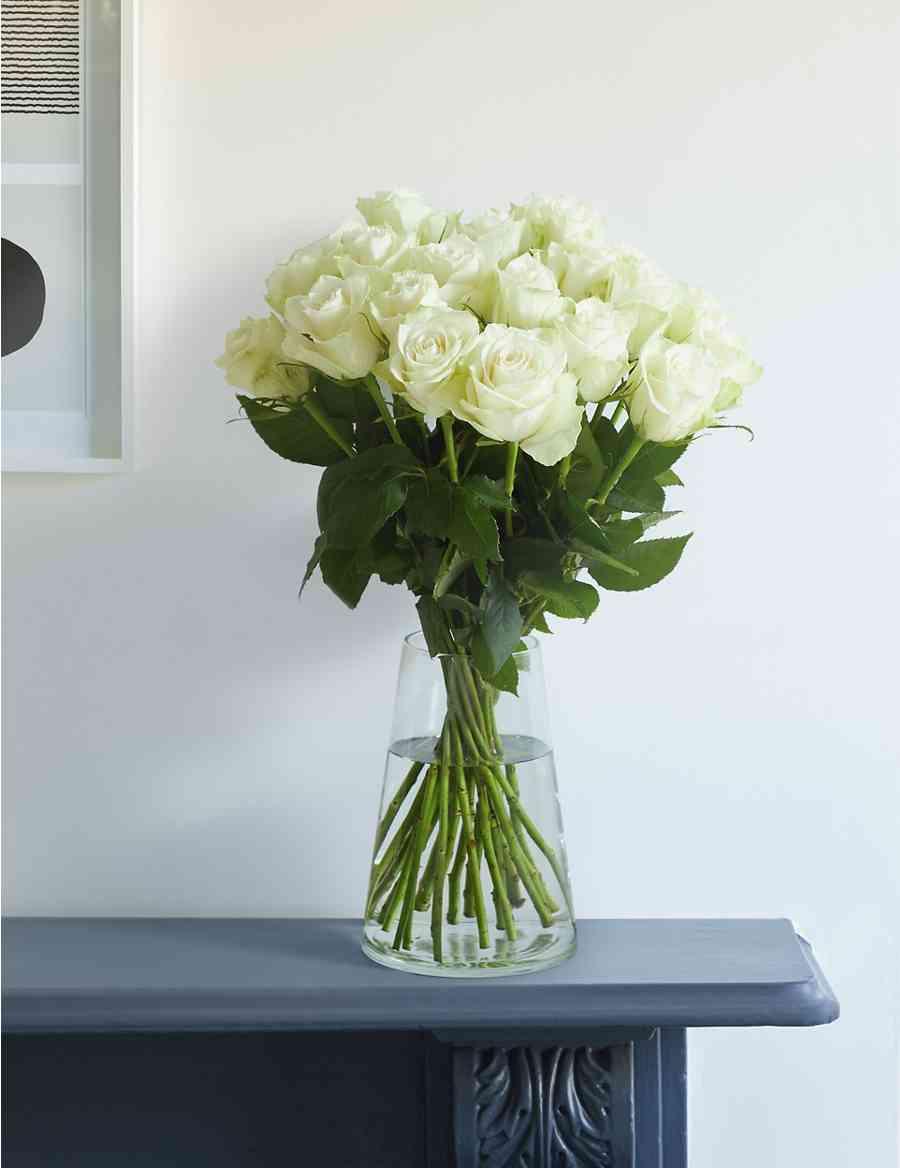 Fairtrade White Rose Bouquet Ms