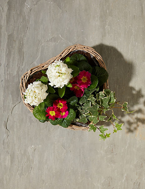 Mum's Heart Basket (Delivery from 16th March 2020)