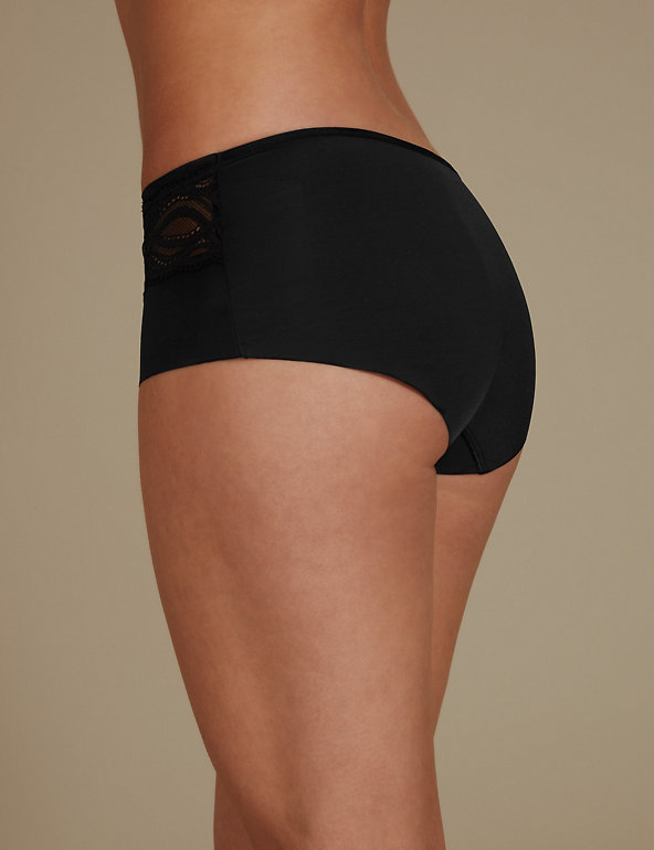 *NEW* 4 pairs of M/&S black smoothlines low rise shorts 28