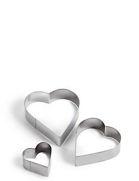 6c9e6f81f29 Sada 3 vykrajovátek ve tvaru srdce ...