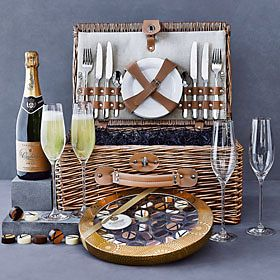 Food and wine hampers