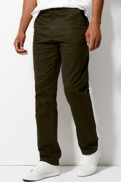 Man wearing straight chinos