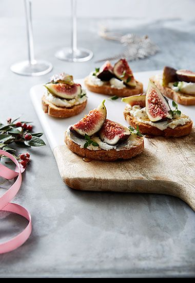 Goats cheese and figs on homemade crositini