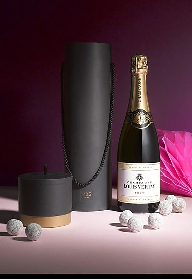 Champagne gift set with chocolates