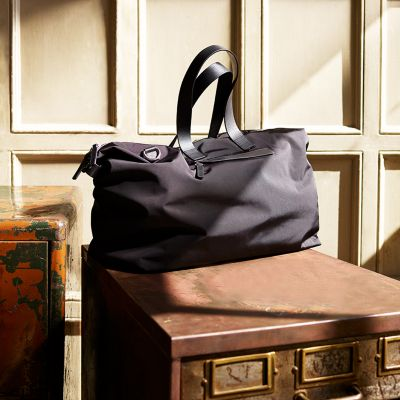 BAG YOURSELF A TIMELESS HOLDALL