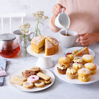 AN IRRESISTIBLE AFTERNOON TEA