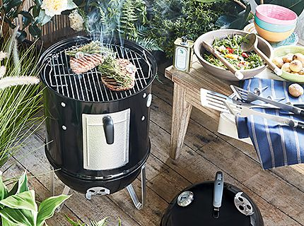 A Berghoff barbecue in a garden